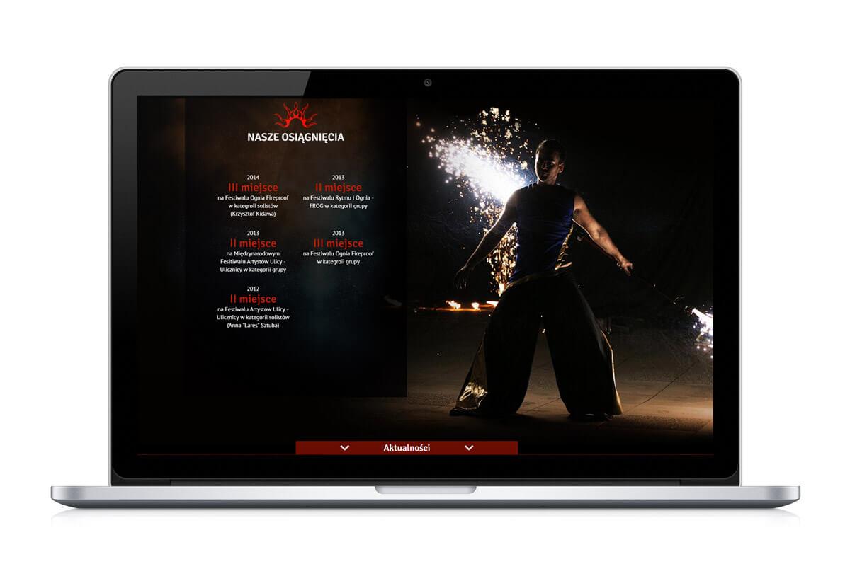 Strona www Nam-Tara na laptopie