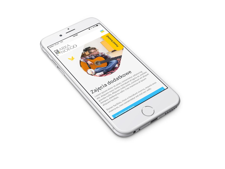 Projekt RWD strony internetowej szkoły specjalnej Arka Noego - wizualizacja na smartphonie