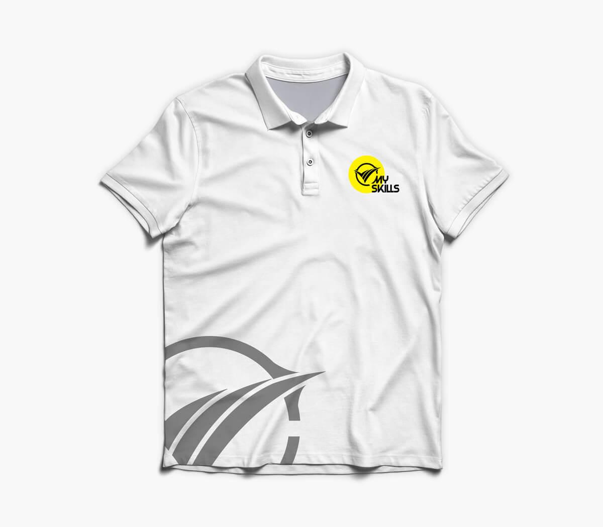 Projekt koszulki polo dla firmy MySkills - element opracowanej identyfikacji wizualnej oraz nowe logo MySkills. Lokalizacja; Kutno, Łódzkie.